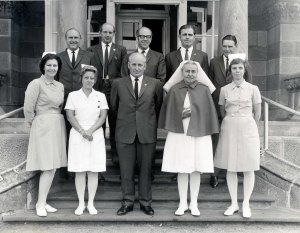P 65, 1970, Snr Nursing Staff in front of Admin Bldg